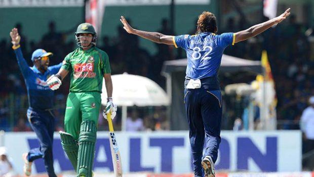 Suranga_Lakmal_dismissed_Mushfiqur_Rahim_for_a_first_ball_duck
