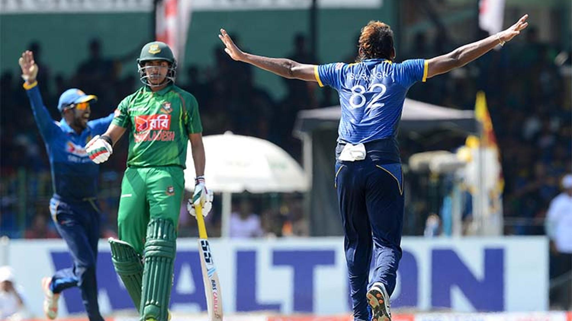 Suranga_Lakmal_dismissed_Mushfiqur_Rahim_for_a_first_ball_duck