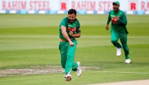 Mashrafe Mortaza of Bangladesh celebrates the wicket of Martin Guptill