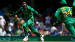 Mohammad Amir of Pakistan celebrates
