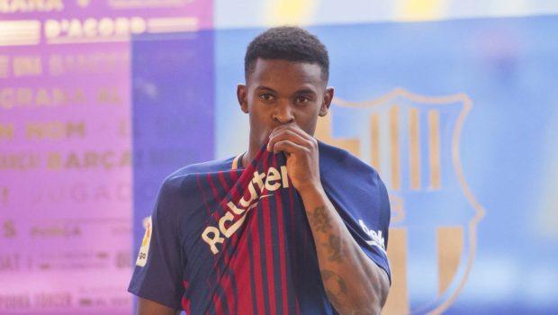 Nelson-Semedo-signs-for-Barcelona