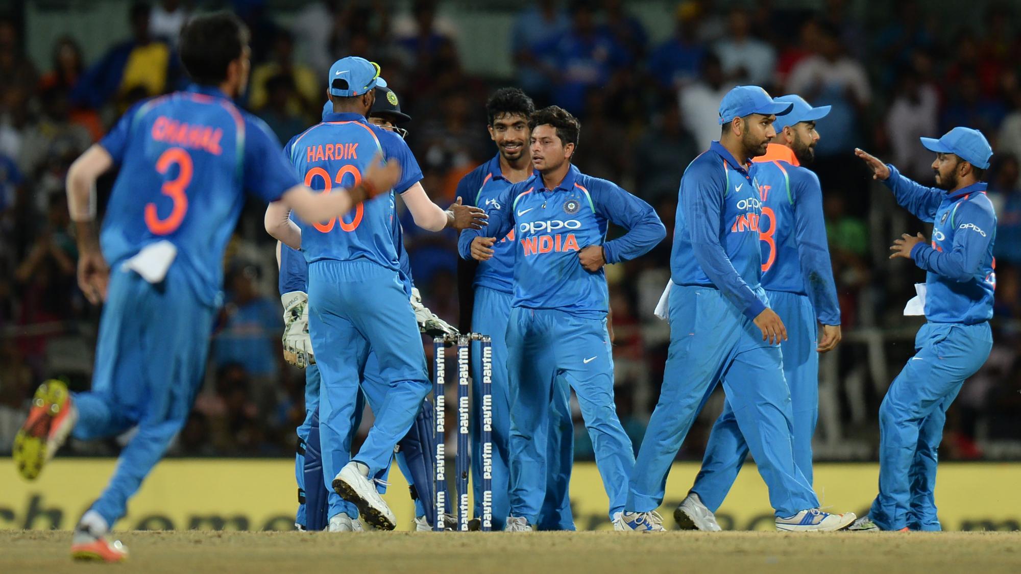 Indian bowlers back Pandya, Dhoni's resurgence