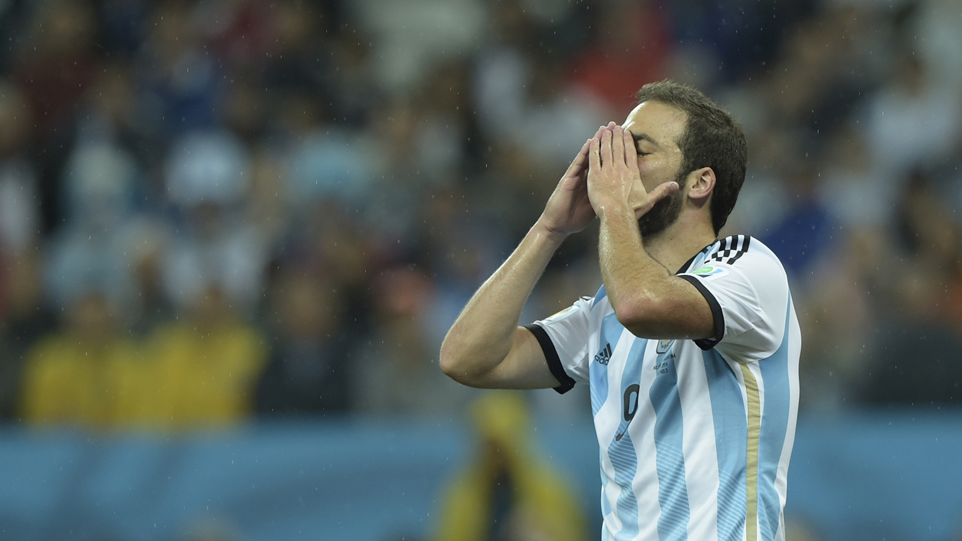 Gonzalo Higuain can goals for his club save career for his