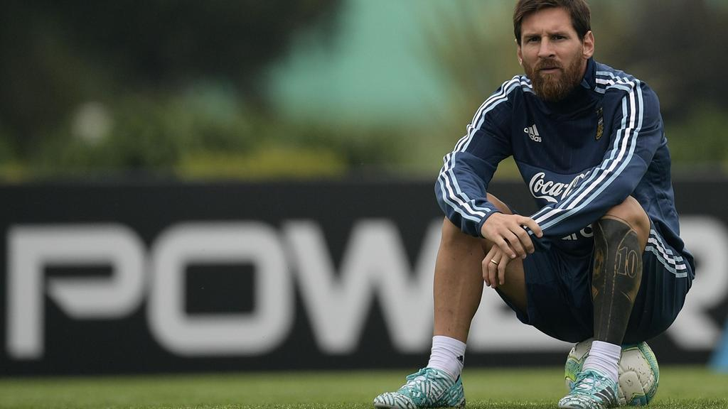 Messi and Ronaldo face future without World Cup in ...