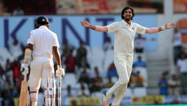 Ishant-Sharma-bowled-Sadeera-Samarawickrama-on-the-second-ball-of-the-innings-to-leave-Sri-Lanka-21-for-1-at-stumps-on-Day-3.