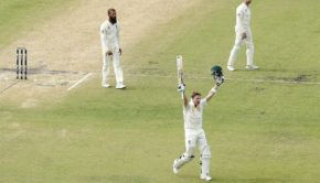 Steven Smith celebrating after hundred