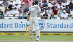 Murali Vijay of India deals with a rising delivery from Morne Morkel