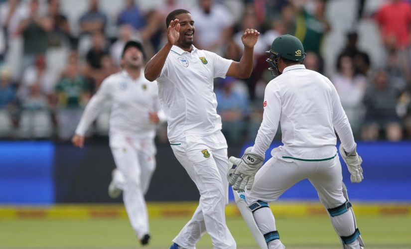 Vernon Philander (C) celebrates the dismissal of Indian batsman Ravichandran Ashwin