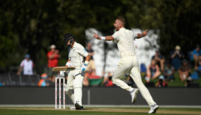 Stuart Broad shows his lethal side by bowling fuller against New Zealand