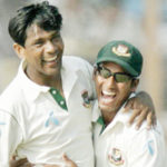 Mohammad-Ashraful-congratulates-left-arm-spinner-Mohammad-Rafique