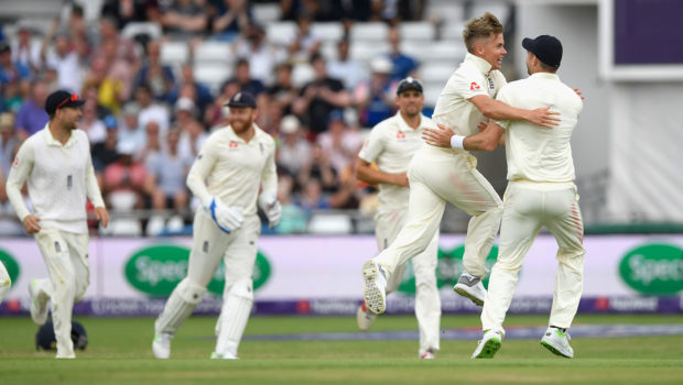 England shine at Leeds to level the series