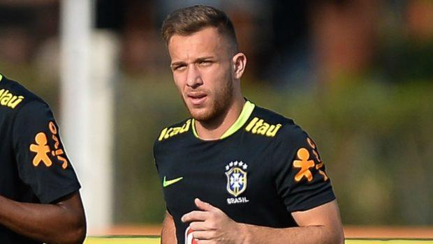 arthur-selecao-brasil-treino