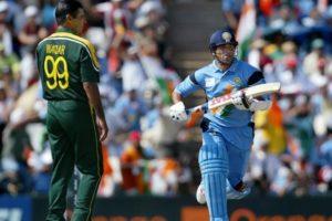 A hapless Wasim Akram could do nothing, but watch Tendulkar smack the Pakistan attack mercilessly, Group Match, Centurion, ICC World Cup 2003.