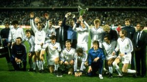 Dynamo Kyiv pose with the European silver wire. Image Courtesy: Twitter